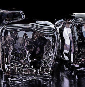 ice machines cubes handling